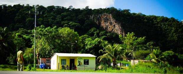 Este domingo 5 de agosto 2012, 10 escaladores fueron víctimas de un atraco en la zona de escalada de Sanare de la Costa, 4 individuos, […]