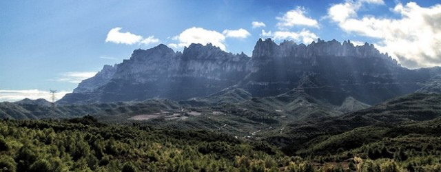 El pasado mes de noviembre, los escaladores vascos Iker y Eneko Pou realizaron la primera liberación de la vía de 240 metros y de gran […]